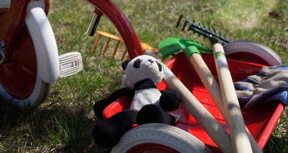 Julklapp för små trädgårdsmästare. Bra redskap lämpliga från 3 år.