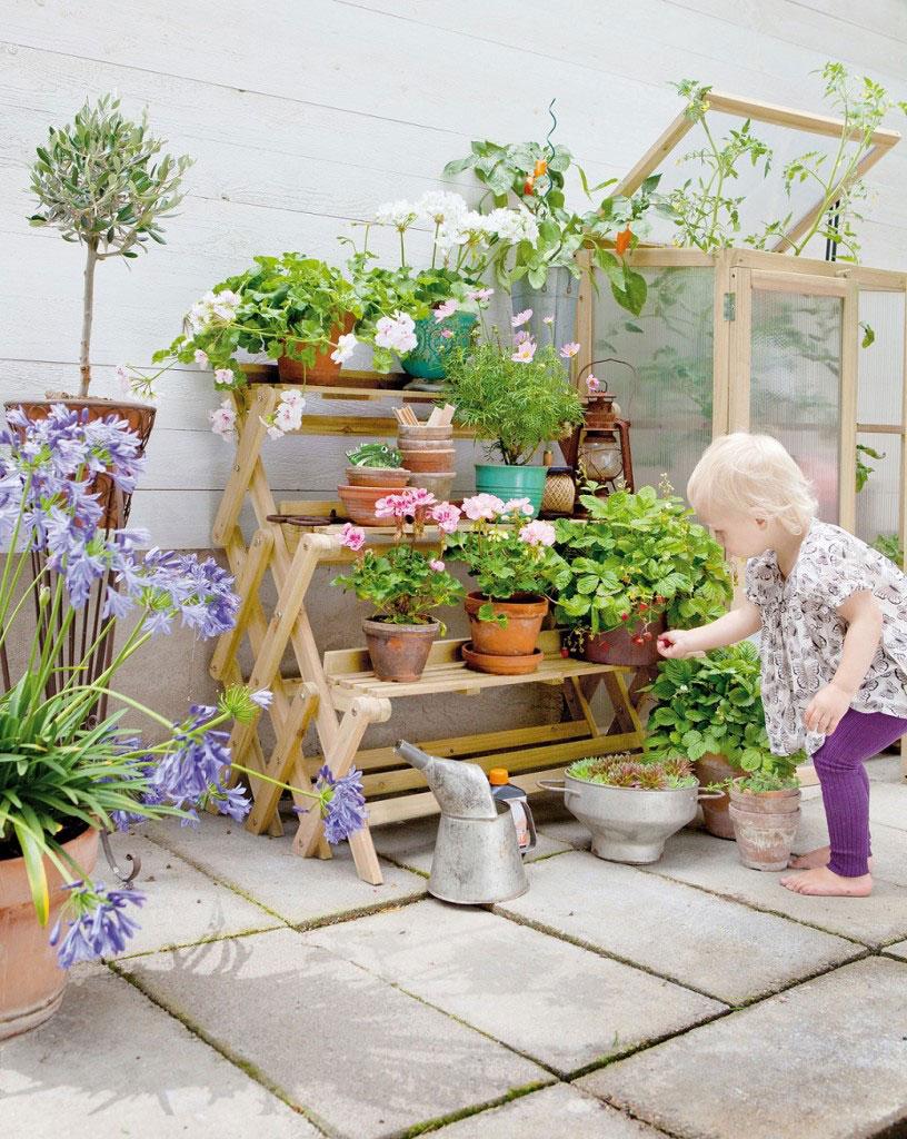 Julklapp för trädgårdintresserad - Växttrappa, för den som vill odla mer på liten yta