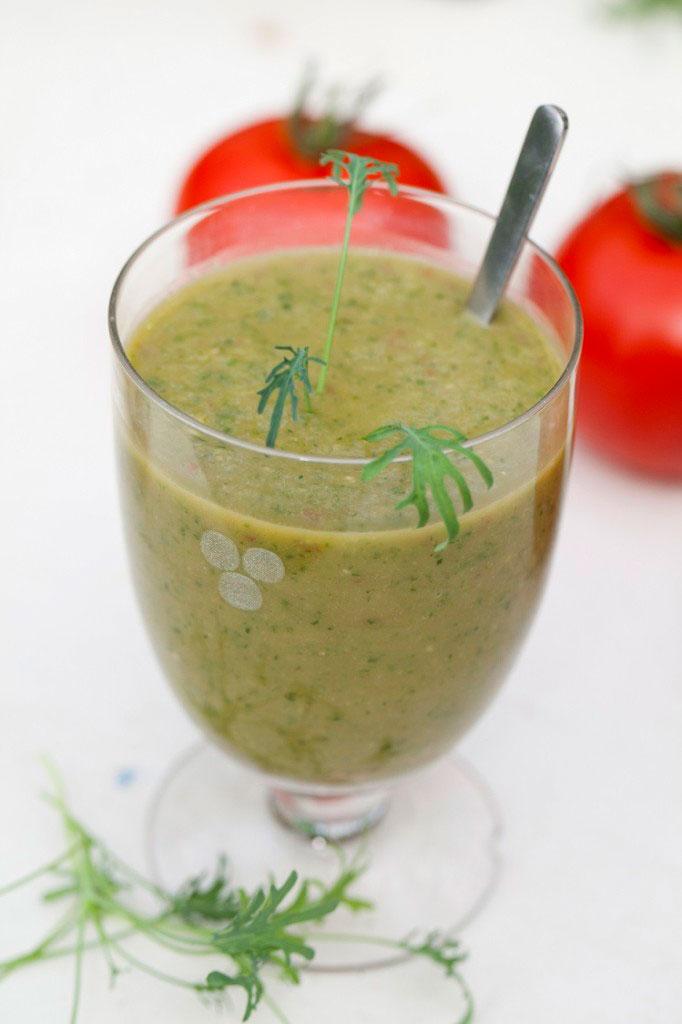 Min favorit-smoothie på vintern är gjord på Micro leaf av grönkål eller ärtskott.