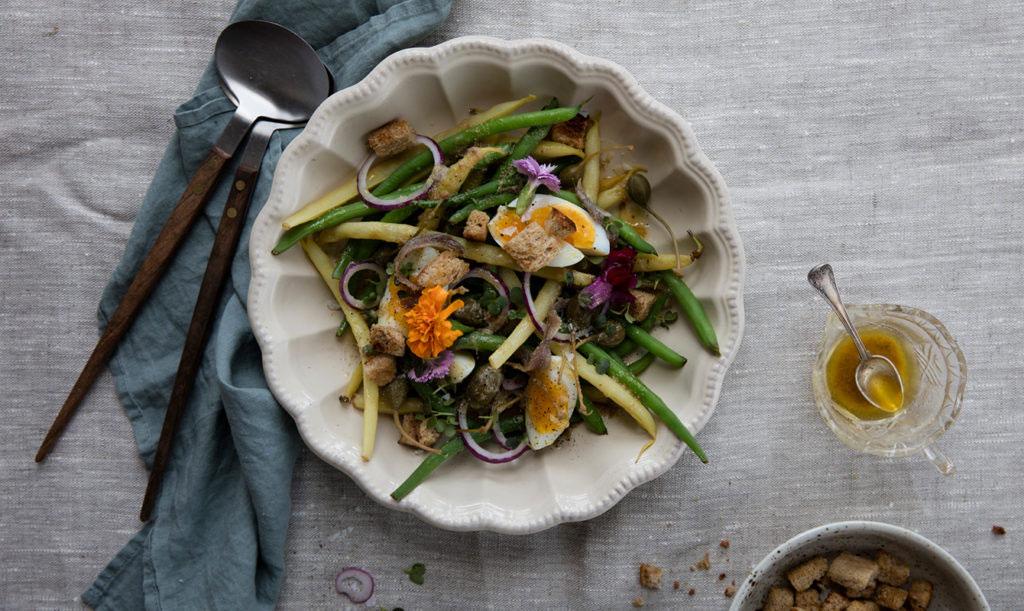 Bönor a la Nicoise – brytbönor med ägg och sardellsmör
