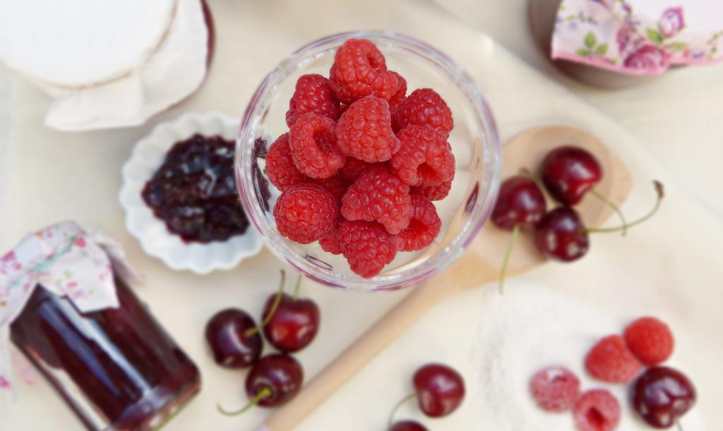 Bär och frukt till marmelad och sylt
