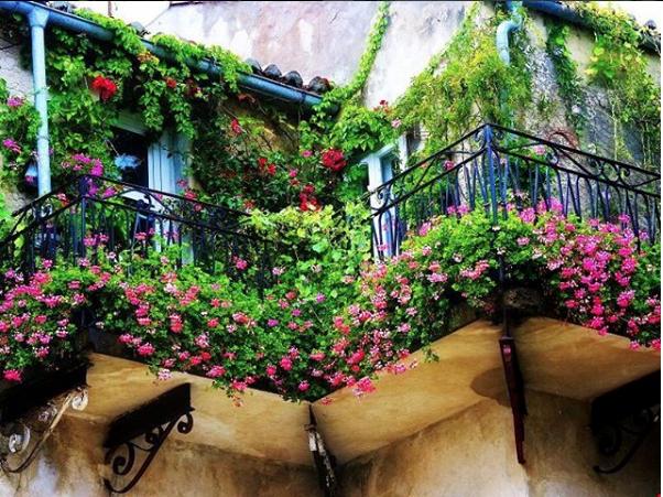 Lägenheten i Spanien är en god förebild för våra svenska höghus. Foto @odlare2907