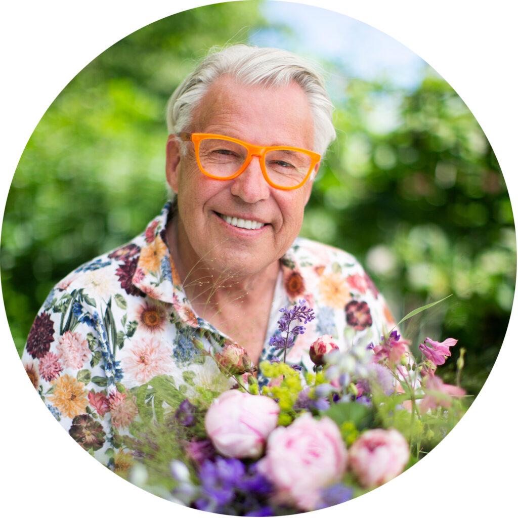 Finn Schjøll är en känd odlingsprofil i Norge, han sitter i år med i juryn i #minsommarbukett.